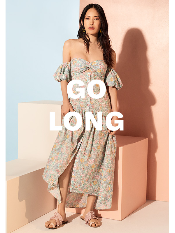 For laid-back parties, al fresco brunches, or sunset drinks, these floor-grazing dresses are always a great outfit play.